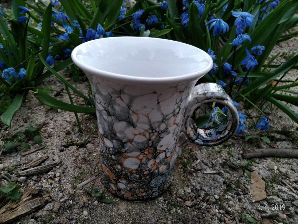 keramický hrnek vhodný načaj, kávu, teplé astudené nápoje