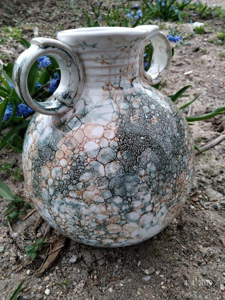 keramická váza je vhodná nařezané svíčky adalší okrasné květiny