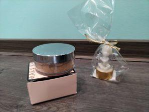 Dárkové balení. Minerální pudrový make-up ( Ivory 1, Ivory 2, Beige 1 ), svíčka ve tvaru andílka
